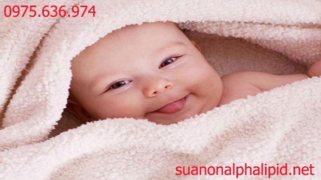Sữa non - vệ sĩ cho trẻ sơ sinh